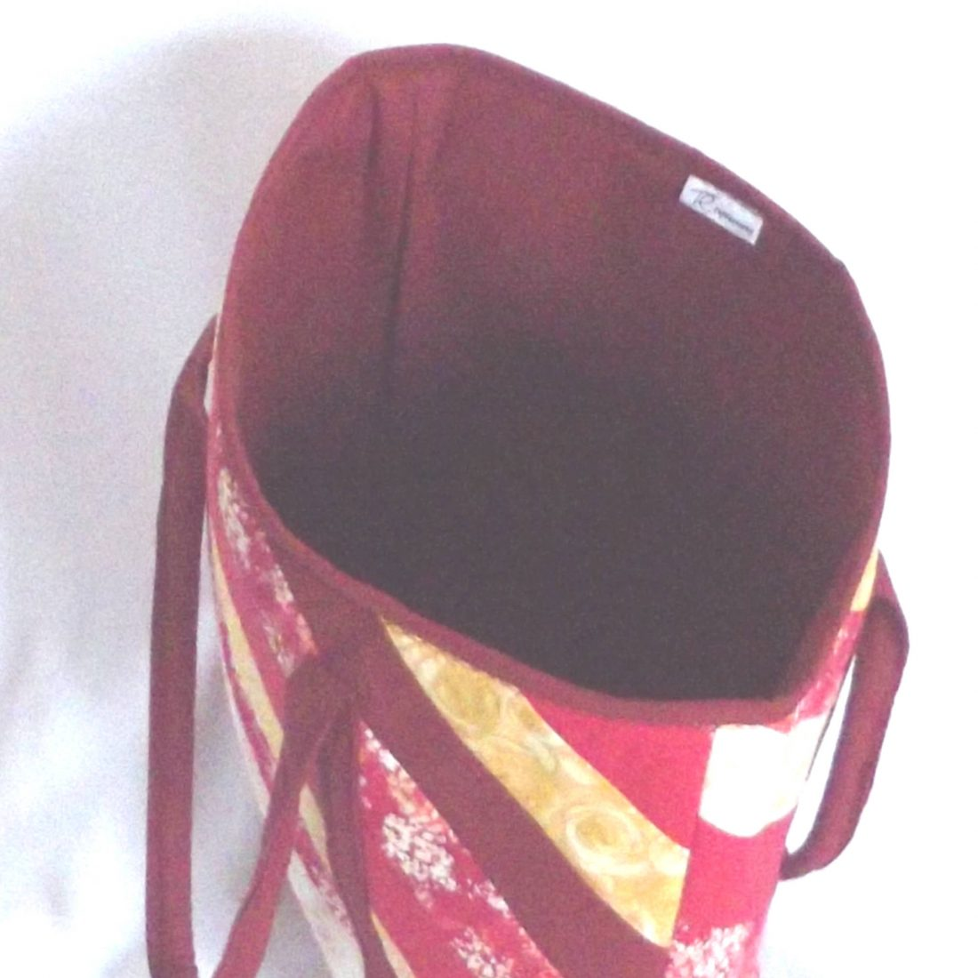 20302 inside red tote