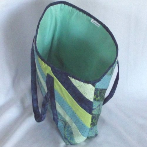 20501 interior blue green tote