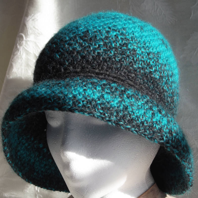 30601 turquoise cloche hat